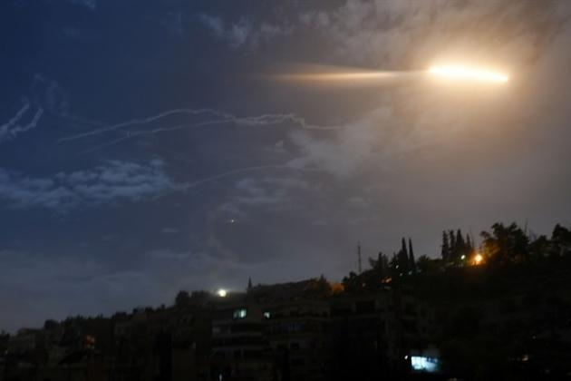 Nga ra đòn quá nhanh và nguy hiểm ở Syria, Su-35 tay đấm chết chóc góp mặt - TT Biden khẩn cấp dừng tấn công Syria - Ảnh 1.