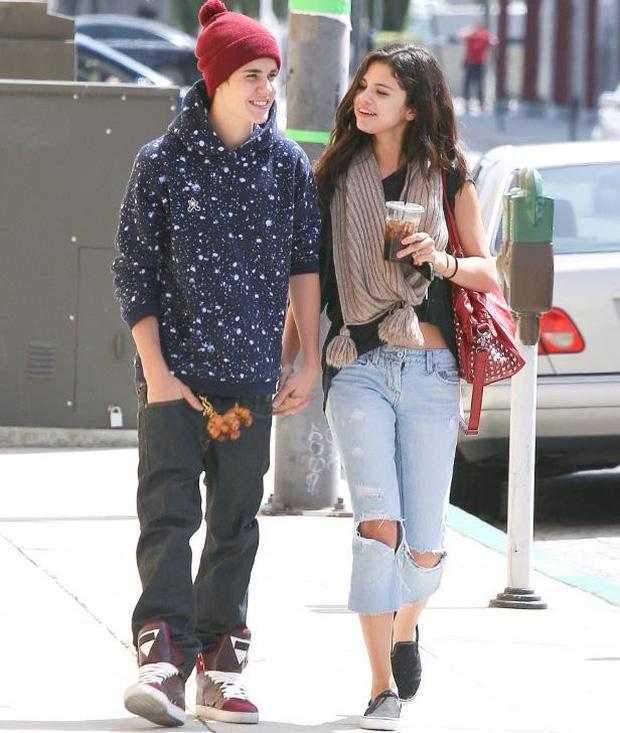 Selena Gomez công khai mỉa mai cuộc tình tay 4 với Justin - Hailey, biến The Weeknd thành công cụ trả thù? - Ảnh 2.