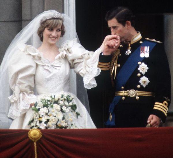 """Đằng sau cuộc hôn nhân đổ vỡ giữa Công nương Diana và Thái tử Charles: """"Đừng nói rằng họ chưa từng yêu nhau"""" - Ảnh 1."""