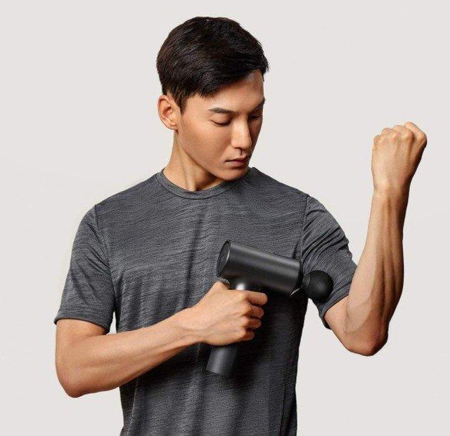 Xiaomi ra mắt súng massage MIJIA Faschia: Động cơ mạnh mẽ, độ ồn thấp, pin trâu, 3 đầu massage, giá 77 USD - Ảnh 2.