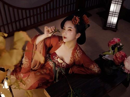 Hoàng đế Trung Quốc hoang dâm vô độ, tằng tịu với góa phụ để rồi chết thảm - Ảnh 3.