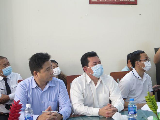 Vợ chồng ông Dũng lò vôi nói ông Võ Hoàng Yên đã trả lại 20 tỷ đồng và sổ hồng căn nhà 18 tỷ đồng - Ảnh 1.