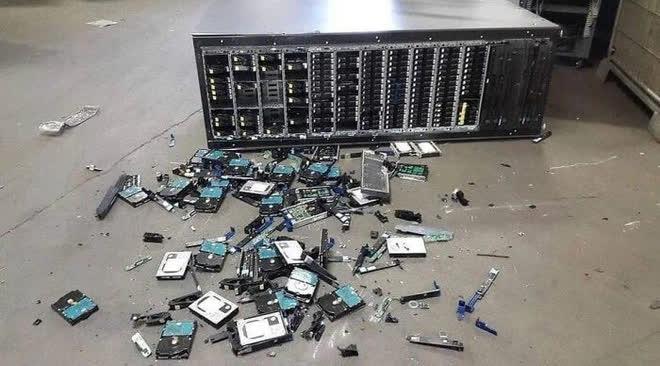 Những ngày bỗng dưng muốn khóc của nhân viên hỗ trợ kỹ thuật - Ảnh 11.