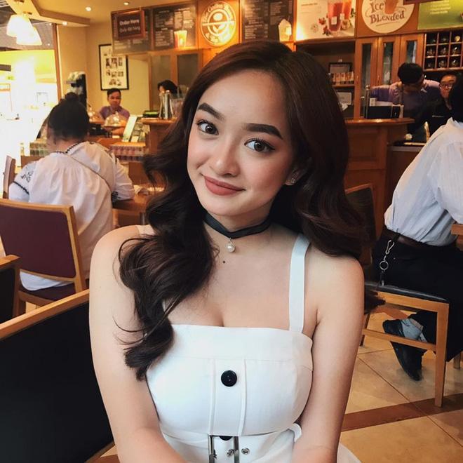 Hành trình nhan sắc của Kaity Nguyễn: Từ hotgirl ngực khủng đến ngọc nữ, lột xác ngoạn mục nhờ hút mỡ vòng 1 và giảm 9kg - Ảnh 26.