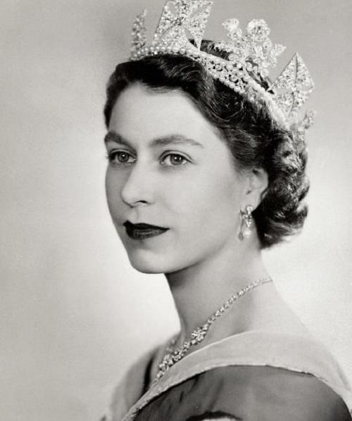 Nhan sắc thời trẻ của Nữ hoàng Anh: Được ví như Nữ vương cổ tích, chồng nguyện bỏ ngai vàng để ở bên - ảnh 3