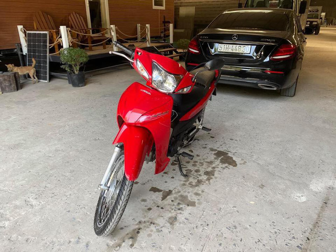 [Nóng] Gặp chủ ô tô Mercedes tặng tiền, tặng xe máy cho người đi ẩu tạt đầu xe mình ở TP.HCM - Ảnh 5.