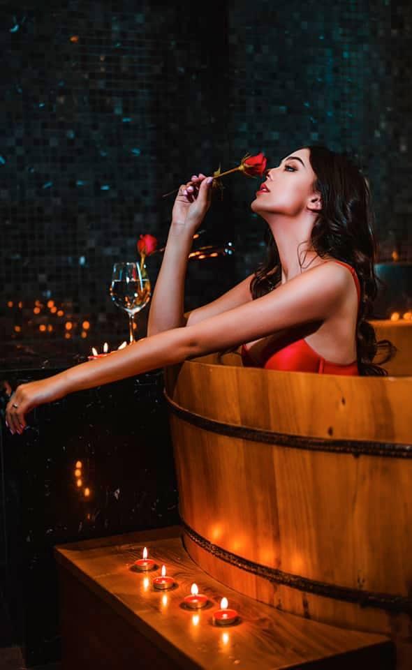 Vẻ nóng bỏng của 2 người đẹp Ukraine đang gây sốt showbiz Việt - Ảnh 11.