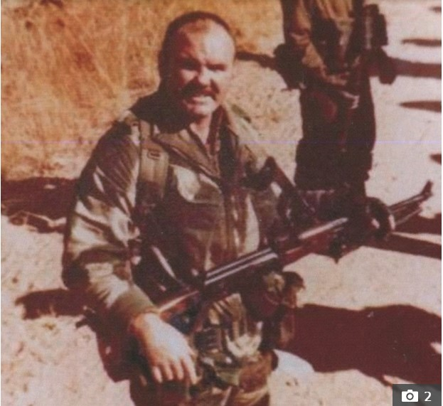 Cựu đặc nhiệm Anh kể chuyện suýt mất đầu khi đi giết trùm ma túy Escobar - ảnh 4