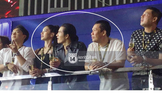 Clip chồng cũ Lệ Quyên và tình trẻ kém 27 tuổi Cẩm Đan sánh đôi ở concert Rap Việt, còn tương tác với nhau thế này đây - Ảnh 3.