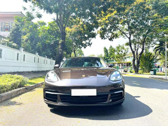 Trải nghiệm Porsche Panamera 10.000km, đại gia Việt rao bán với giá rẻ hơn 1 tỷ đồng - Ảnh 1.