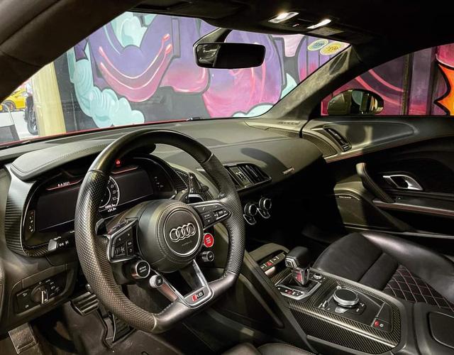 Audi R8 từng của Đông Nhi - Ông Cao Thắng bất ngờ được chào bán giá dưới 10 tỷ đồng - Ảnh 4.