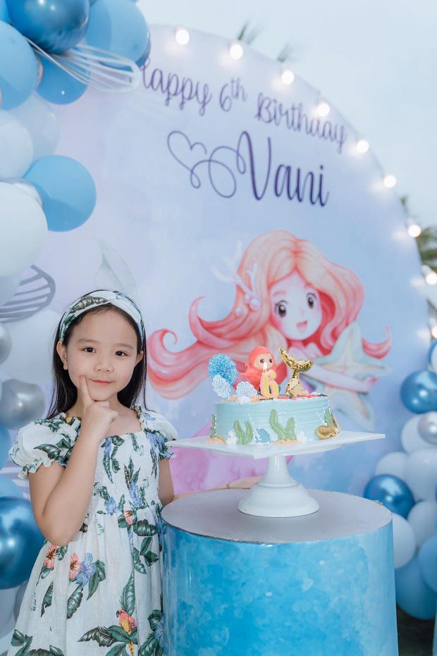 Con gái Trang Nhung mới 6 tuổi đã được chú ý nhờ nhan sắc gen trội trong tiệc sinh nhật - ảnh 4