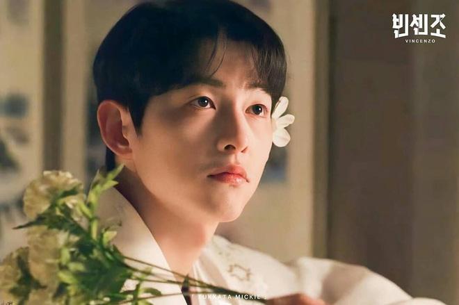 """Visual của Song Joong Ki đang khiến dân tình """"điên đảo"""" cả ngày nay: Cứ phải đúng tạo hình này mới """"bùng nổ"""" nhan sắc? - ảnh 5"""