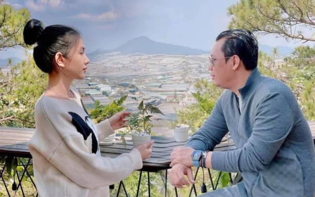 Bắt trọn clip chồng cũ Lệ Quyên ôm hôn tình trẻ Cẩm Đan giữa show Rap Việt, như này tính là công khai chưa? - Ảnh 7.