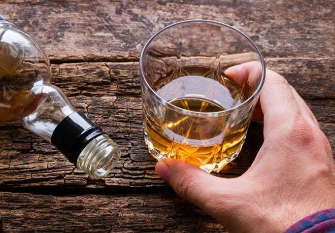 BS dinh dưỡng khuyên: Top 5 thực phẩm nên ăn kèm khi uống rượu bia để giảm bớt tác hại - Ảnh 1.