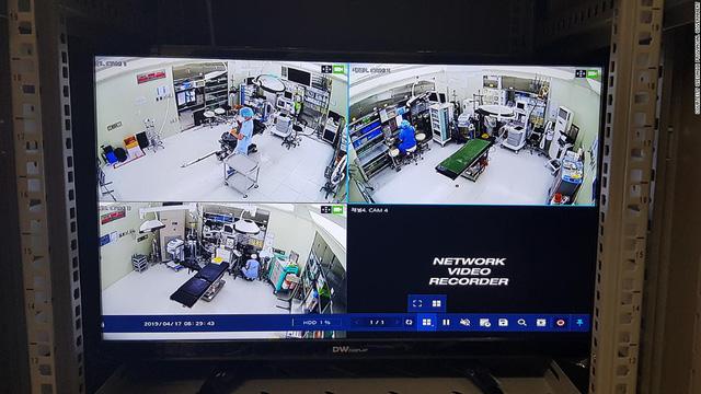 Lật tẩy những 'bác sĩ ma' ở Hàn Quốc: Mất tiền, mất mạng trong những phòng phẫu thuật thẩm mỹ - ảnh 2