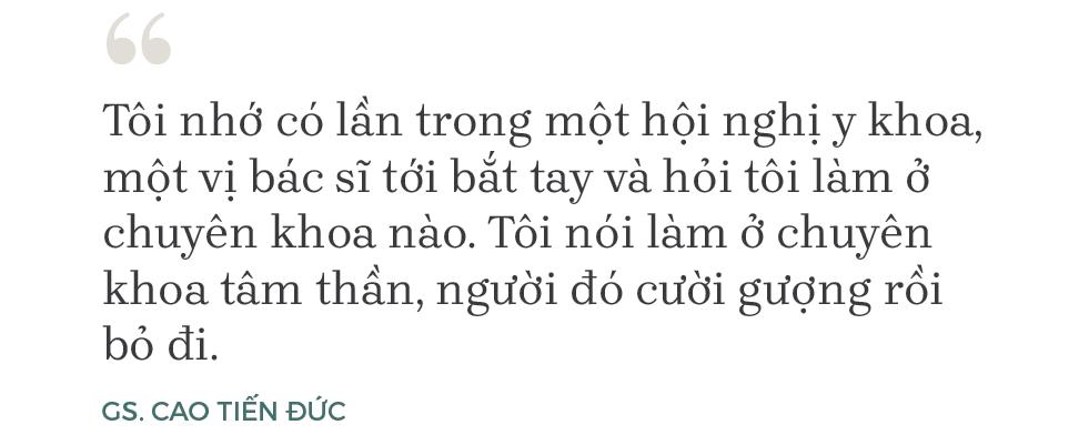 """Giáo sư duy nhất ngành tâm thần học Việt Nam: 39 năm làm việc với """"người điên"""", bị cho """"ăn đòn"""", """"đuổi cút"""" và chê """"ngơ ngơ"""" - Ảnh 4."""