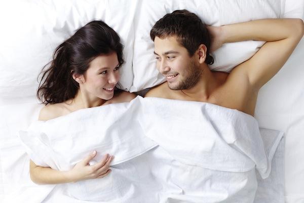 Đời sống tình dục trong hôn nhân: 8 bí quyết vàng dành cho mọi cặp đôi - Ảnh 2.