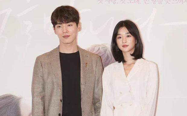 HOT: Seo Ye Ji chính thức thừa nhận hẹn hò Kim Jung Hyun, phản bác cực căng vụ điều khiển bạn trai xa lánh Seohyun - Ảnh 1.