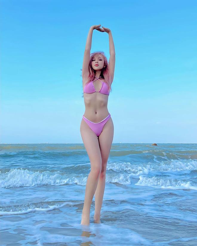 Cứ qua một ngày, các đối thủ đáng gờm trên đường đua bikini xuất hiện càng nhiều - Ảnh 11.