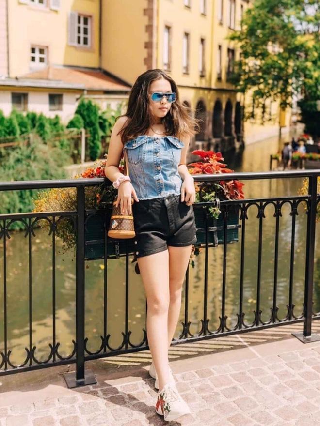 Con gái của Phượng Chanel: 18 tuổi sống sang chảnh chuẩn ái nữ nhà giàu, body nóng đến ngộp thở nhất là vòng 3 - Ảnh 13.