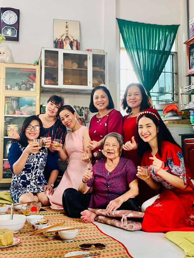 Con trai của Hoà Minzy được bà nội đại gia nức tiếng Long An cưng như trứng, việc làm mỗi sáng là bằng chứng rõ nhất! - ảnh 3