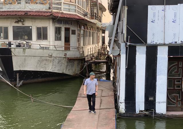 Hà Nội: Đột nhập nghĩa địa du thuyền, nhà hàng nổi tiền tỷ trên hồ Tây - Ảnh 7.