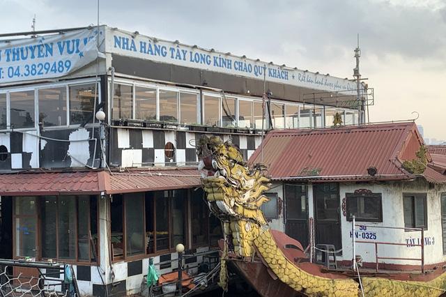 Hà Nội: Đột nhập nghĩa địa du thuyền, nhà hàng nổi tiền tỷ trên hồ Tây - Ảnh 8.