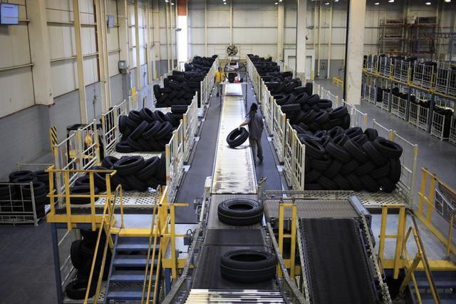 Bloomberg: Sau giấy vệ sinh, chip... đến lượt nguyên liệu mà Việt Nam là nước hiếm hoi có thể sản xuất thiếu hụt! - Ảnh 2.