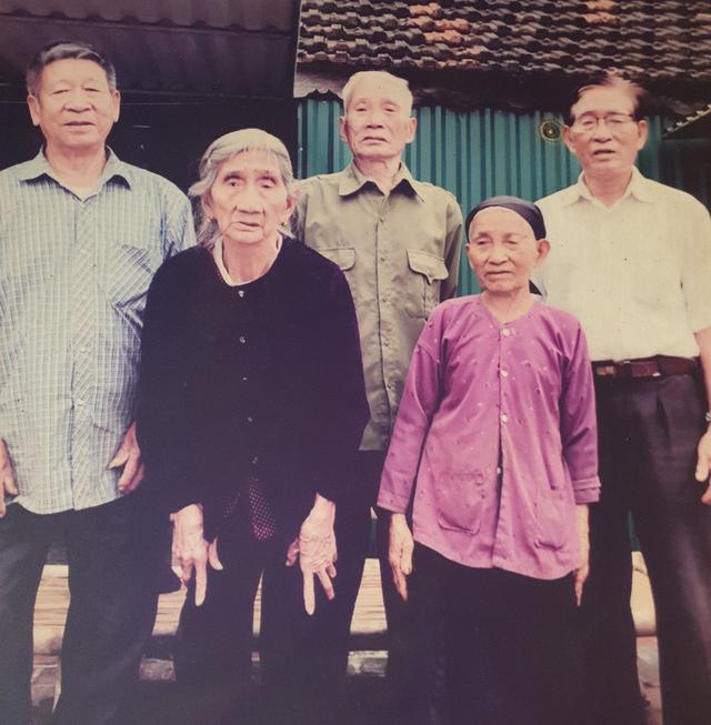 Hy hữu 5 chị em ruột ở Hà Tĩnh có tuổi thọ từ 85 đến 97 đều khỏe mạnh, minh mẫn - Ảnh 3.