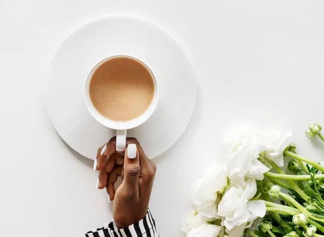 10 thói quen ăn sáng có thể phá hỏng ngày mới - Ảnh 7.