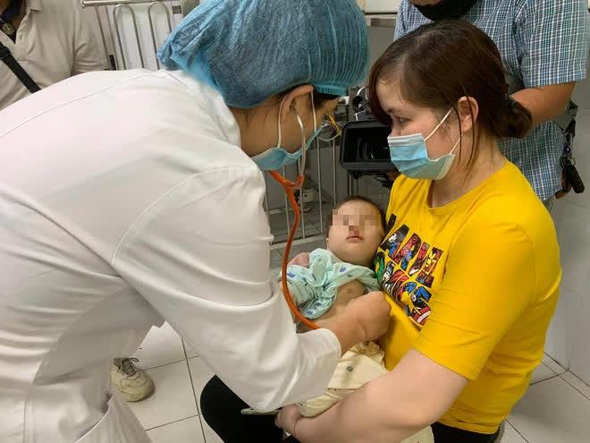 Hà Nội: Số ca mắc tay chân miệng tăng đột biến, chuyên gia chỉ 3 dấu hiệu bệnh nặng - Ảnh 1.