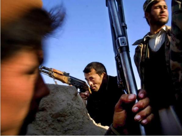 Nhìn lại toàn cảnh cuộc chiến đẫm máu dài nhất lịch sử Mỹ ở Afghanistan - Ảnh 3.