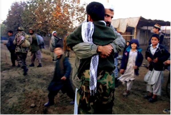 Nhìn lại toàn cảnh cuộc chiến đẫm máu dài nhất lịch sử Mỹ ở Afghanistan - Ảnh 4.