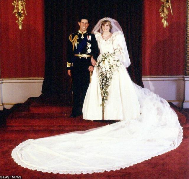 10 cặp đôi hoàng gia khiến chúng ta tin, tình yêu không phân biệt tuổi tác, địa vị nhưng cái kết chưa chắc có hậu: Số 3 từng được ví như Lọ Lem thời hiện đại - Ảnh 4.