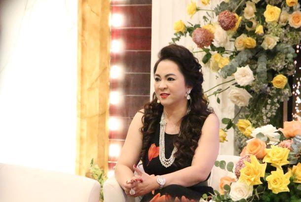 Vợ đại gia Dũng lò vôi gay gắt đáp trả Trang Trần: Ăn tục nói phét cũng là đi kiếm tiền lẻ thôi - Ảnh 1.