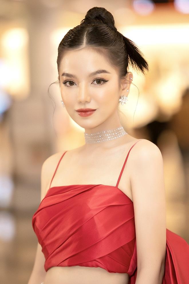 Cô vợ vô duyên của Mạc Văn Khoa trong Lật Mặt: 48H: Là hot girl xinh đẹp, nổi tiếng - Ảnh 1.