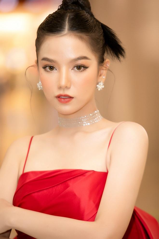 Cô vợ vô duyên của Mạc Văn Khoa trong Lật Mặt: 48H: Là hot girl xinh đẹp, nổi tiếng - Ảnh 2.