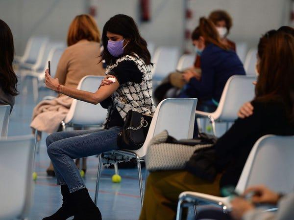 75 triệu người Mỹ đã được tiêm vắc xin COVID-19, kết quả thế nào? - Ảnh 1.