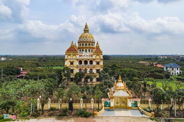 Cận cảnh tòa lâu đài 10 tỷ đồng của ông chủ lò gạch ở Hưng Yên: Tự tay thiết kế, ăn dè hà tiện mới có - Ảnh 2.