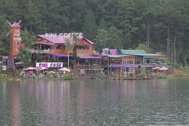 Nhiều ki ốt tại hồ Tuyền Lâm hết hạn thuê nhưng chưa hoàn trả mặt bằng - Ảnh 3.