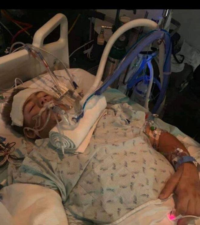Chàng trai từng bị xe 4 tấn đè nát nửa người vẫn sống sót gây bất ngờ với hình ảnh hiện tại và chuyện tình lay động mọi trái tim - Ảnh 3.