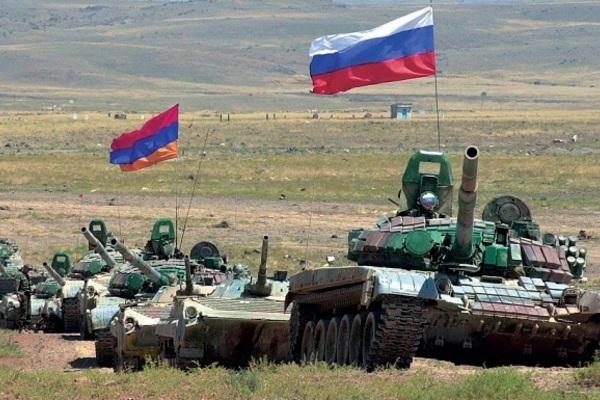 Nhóm đổ bộ của Hạm đội Caspi tập kết, sẵn sàng giội tên lửa nếu Donbass có biến - 3 pháo hạm Ukraine dọa nổ súng, 5 tàu Nga tháo chạy? - Ảnh 1.