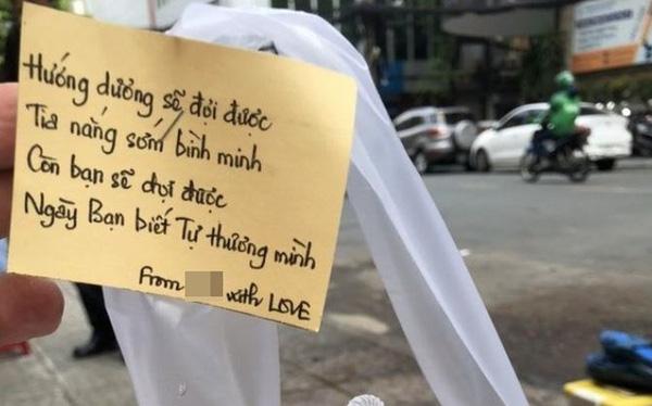 Chiêu PR cao tay của quán take away Sài Gòn: Mỗi ly cà phê đính kèm một lời chúc viết tay - Ảnh 1.