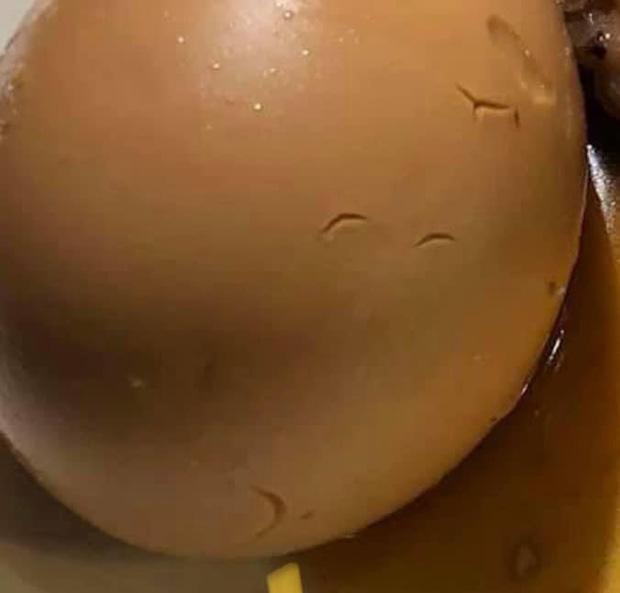 Vào nhà hàng Pháp gọi món sang chảnh nhưng lại nhận được đĩa… thịt kho hột vịt, cô gái đăng bài bóc phốt khiến dân mạng cười bò - Ảnh 3.