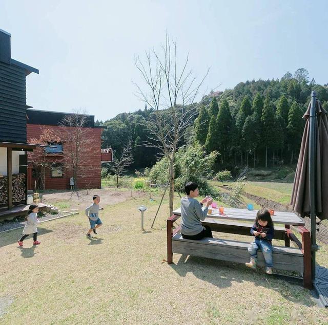 Từ thành phố chuyển về nông thôn ở nhà gỗ, gia đình Nhật Bản biến cuộc sống bình thường trở thành thiên đường! - Ảnh 31.