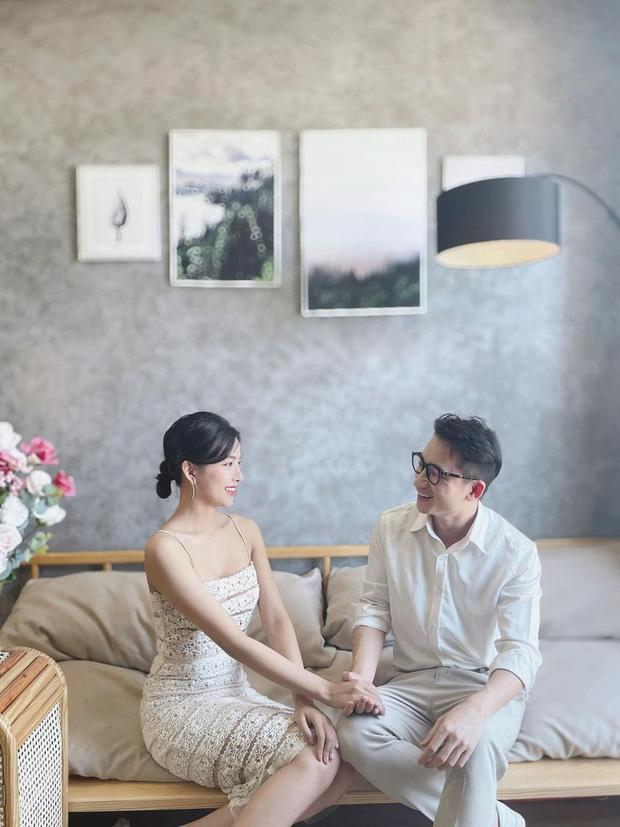 5 năm yêu của Phan Mạnh Quỳnh và vợ hot girl: Từ bị hoài nghi đến màn cầu hôn gây sốt, chàng cưng nàng số 1 thấy mà ghen! - Ảnh 4.