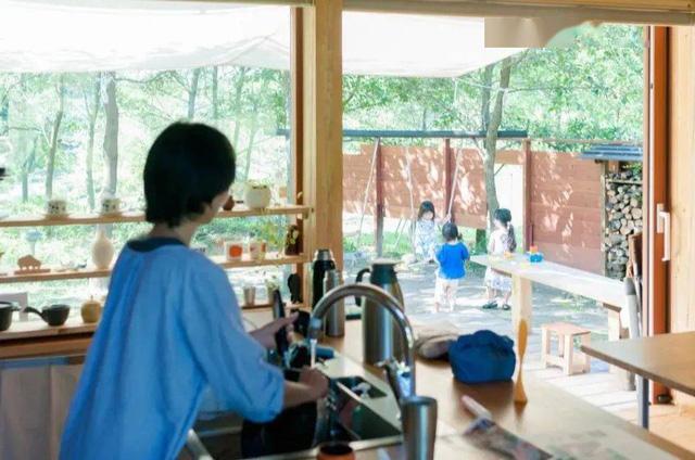 Từ thành phố chuyển về nông thôn ở nhà gỗ, gia đình Nhật Bản biến cuộc sống bình thường trở thành thiên đường! - Ảnh 7.