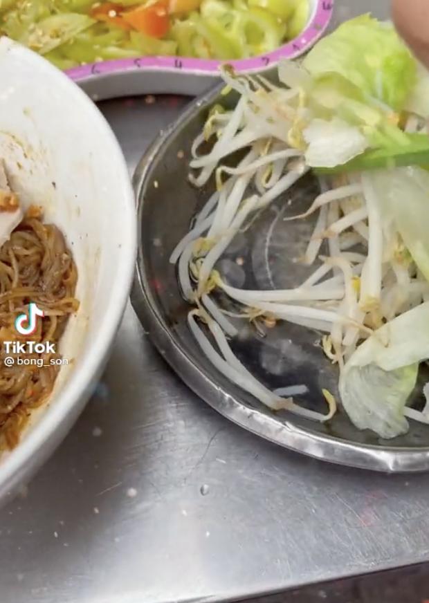 Không ngờ thói quen ăn uống tưởng kỳ lạ này của người Việt lại được nhiều người hưởng ứng tới vậy! - ảnh 2