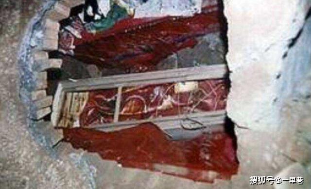 Khai quật lăng mộ 2 người phụ nữ ở Thanh Đông lăng: Bí mật chấn động của Càn Long bị phanh phui! - Ảnh 3.